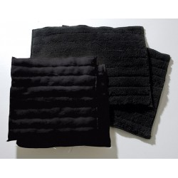 QUILTED LEG PADS, BLACK